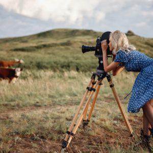 Acrylglas 3mm starke   Fotoshooting Frauen Feld Antik Kamera Berge Wandposter Acrylglas PlumaArt 07P19 Künstler:Georgy Chernyad