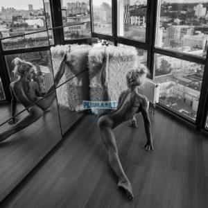 Acrylglas 3mm starke   Künstlerische exklusiv schwarz-weiß Aktfoto Poster nude Acrylglasbild A129 Künstler: Aleksandr Lishchinsk