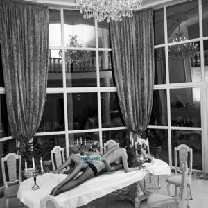 Acrylglas 3mm starke   Künstlerische exklusiv schwarz-weiß Aktfoto Poster nude Acrylglasbild A145 Künstler: Aleksandr Lishchinsk